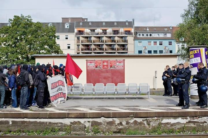 Blockade des Barmer Bahnhofs. (Quelle: http://ifuriosi.org)